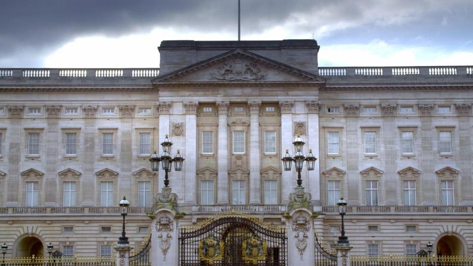 Inside-Royal-Homes.jpg